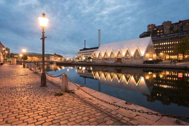 Göteborg i skymningsljus.