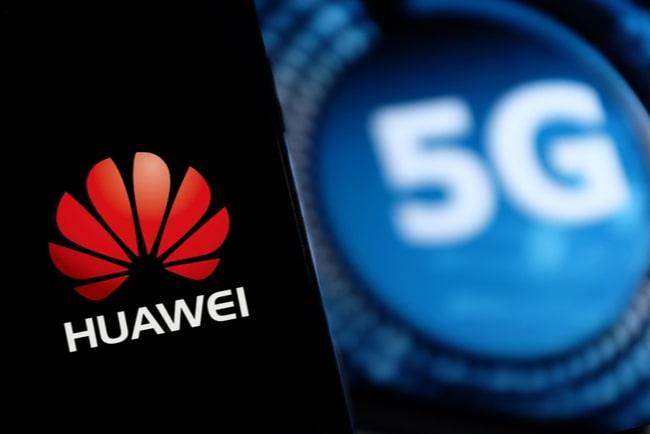 Kollage Huawei logga med svart bakgrund och 5G-symbol