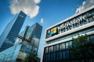 microsoft-kontor mot blå himmel