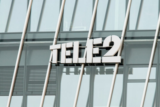 tele2:s logotyp på fasad