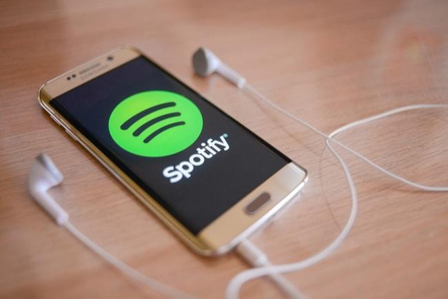 Telia gör miljardvinst på försäljning av Spotify-aktier